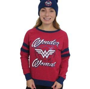 💕 NWOT DC Comics Wonder Woman sweater